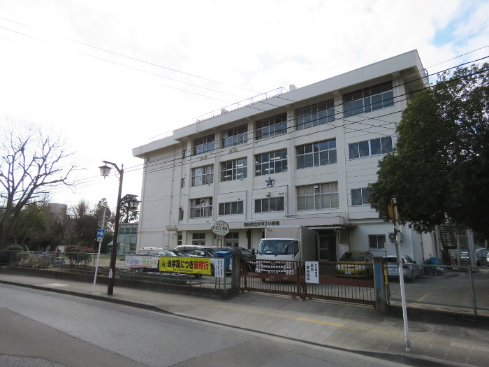 片平丁小学校