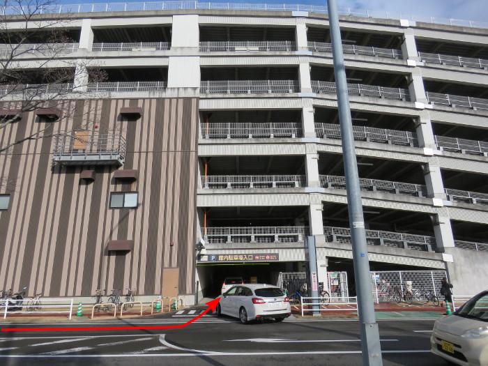 ララガーデン駐車場(合流3)
