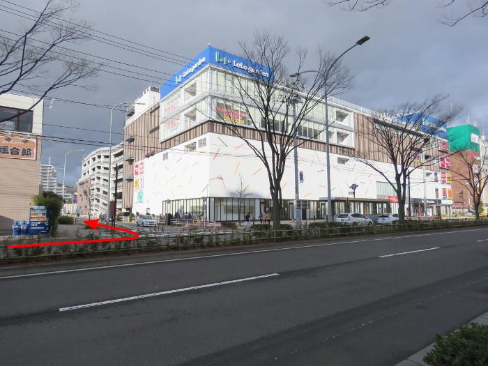 ララガーデン駐車場(西から1)