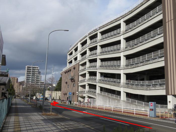 ララガーデン駐車場(西から2)