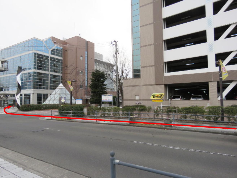 泉中央駅からのびすく泉中央への行き方(地下鉄5)